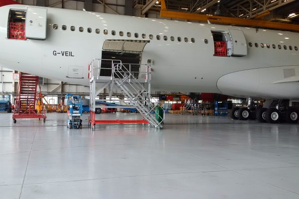 Variable Height Cargo Bay Access Platform 2.4m-3.4m R/H