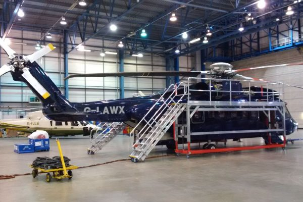 Variable Height Helicopter Main Rotor Access Platform