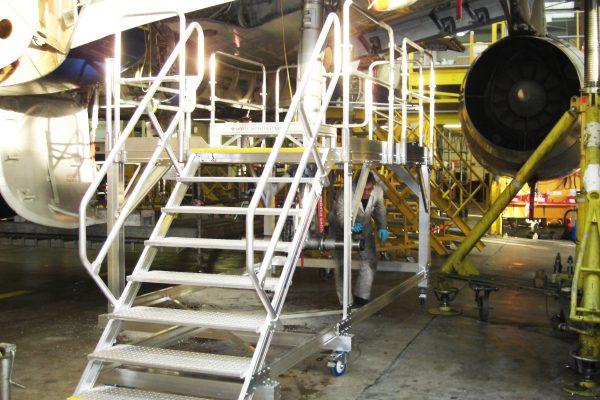 Fixed Height Main Landing Gear Access Platform RH H1.68m