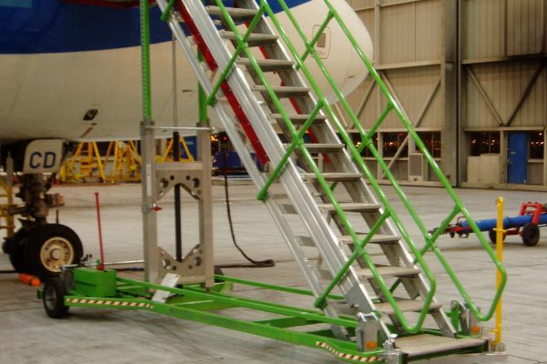 Variable height platform H1.9-3.25m | W1.0m