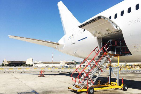 Variable Height Cargo Bay & Working Platform | 1.9m – 3.25m