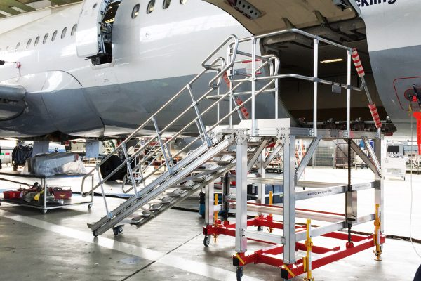Variable Height Wide Body Cargo Bay Platform H1.8m-2.8m
