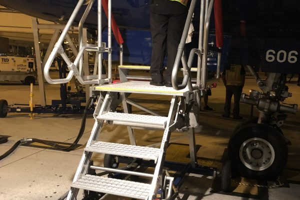 Fixed Height A320 Avionics Engineers Steps 1.25m – with step 0.2m – Towable
